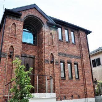 イギリス風アンティークなレンガの家