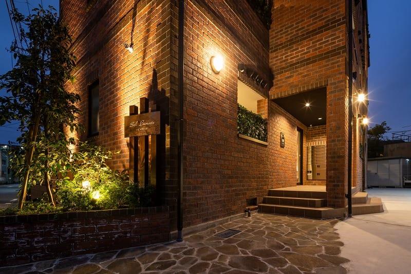 レンガの家 3階建て 外観 賃貸併用住宅