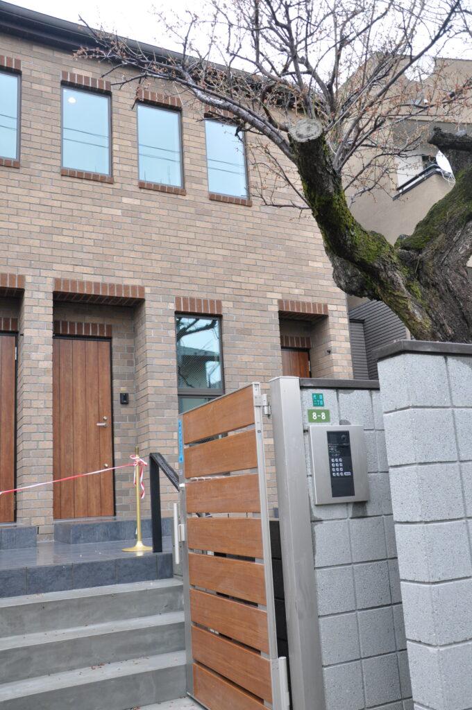 神奈川の賃貸住宅・レンガの家のせらら工房へ。