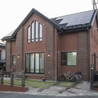 横浜市の工務店「せらら工房」施工事例 シンメトリの外観