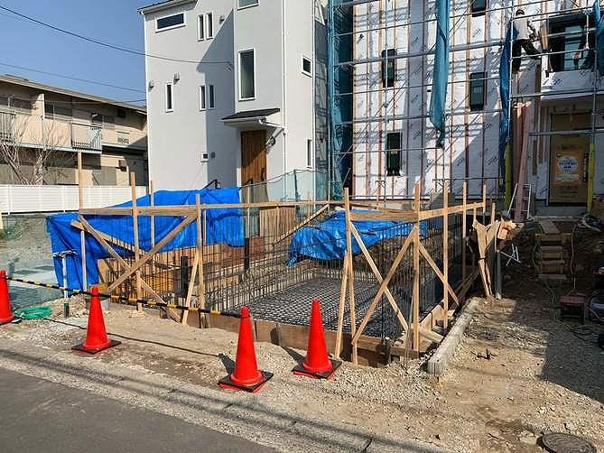 神奈川の工務店、レンガの家基礎工事スタート